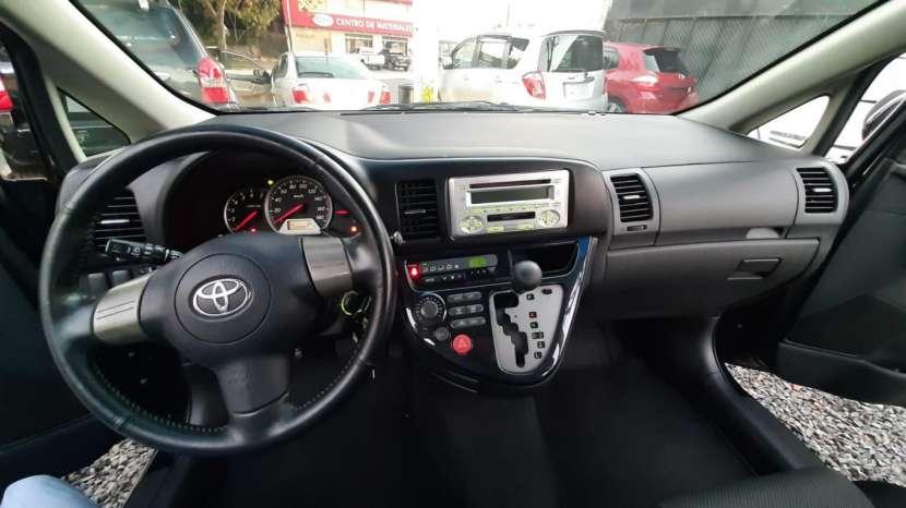 Toyota Wish 2009 - 1
