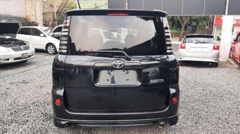 Toyota Sienta 2005 - 1