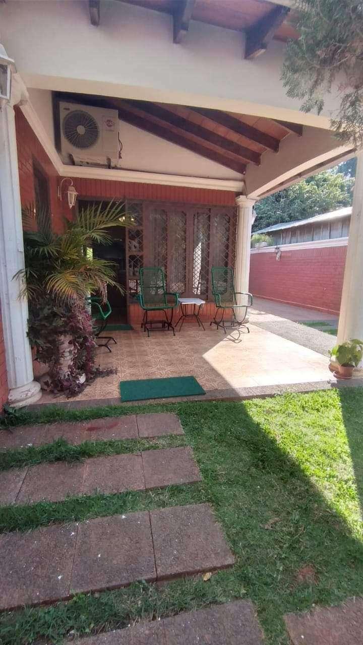Casa en Barrio Centenario - 1