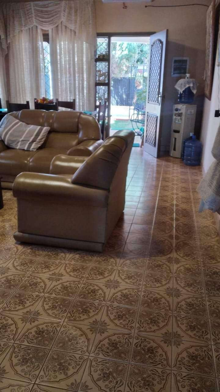 Casa en Barrio Centenario - 2