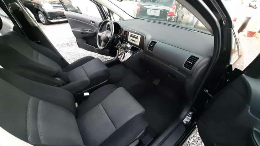 Toyota Wish 2009 - 5