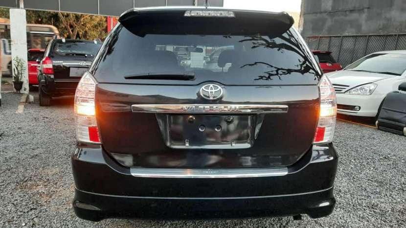 Toyota Wish 2009 - 6