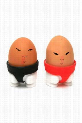 Porta huevo 2 soportes con diseño de luchadores de sumo