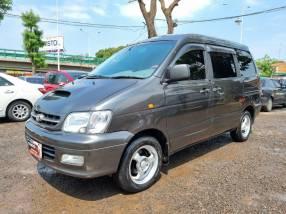 Toyota Noah 2000