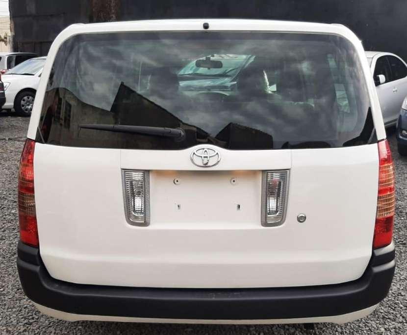 Toyota Probox 2005 - 2
