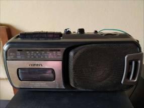 Radio grabadora Aiwa con casetero