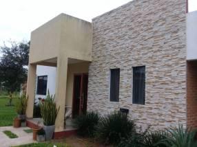 Casa en barrio Rincón del Peñón San Antonio Limpio