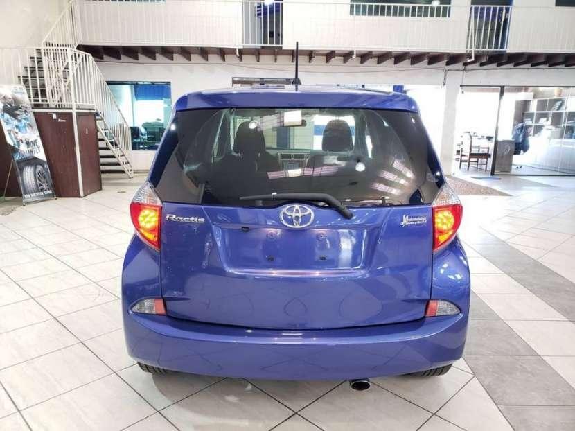 Toyota New Ractis 2010 - 4