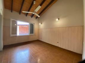 Casa en Fernando de la Mora zona Norte Laguna Grande