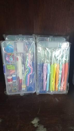 Kit de agujas y accesorios para crochet