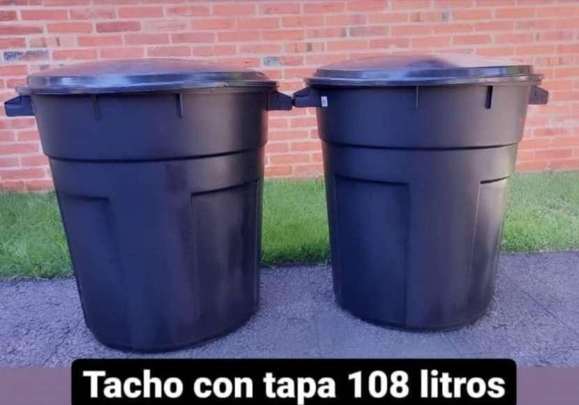 Tacho con tapa 108 litros - 0