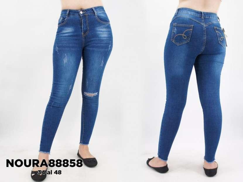 Jeans con roturas achupinado para dama - 0
