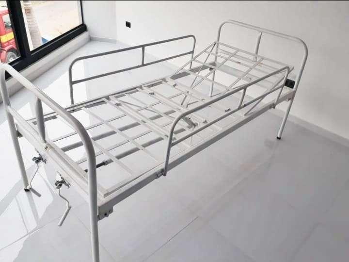 Cama hospitalaria de 2 movimientos manual - 0