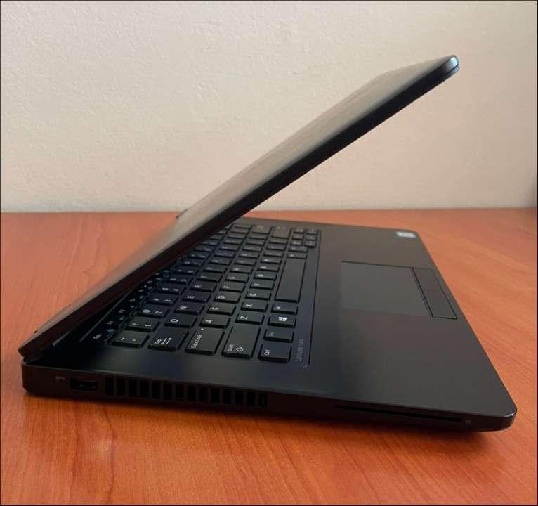 Dell e5470 Intel Core i5 250gb SSD - 7