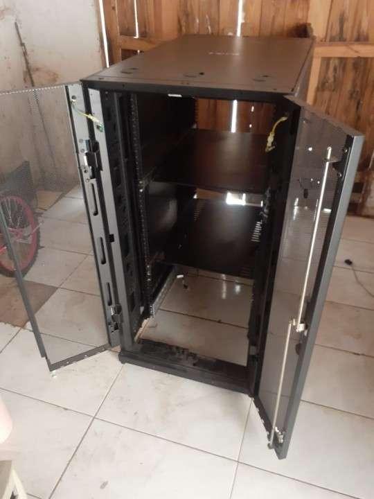 Rack apc 24U - 2