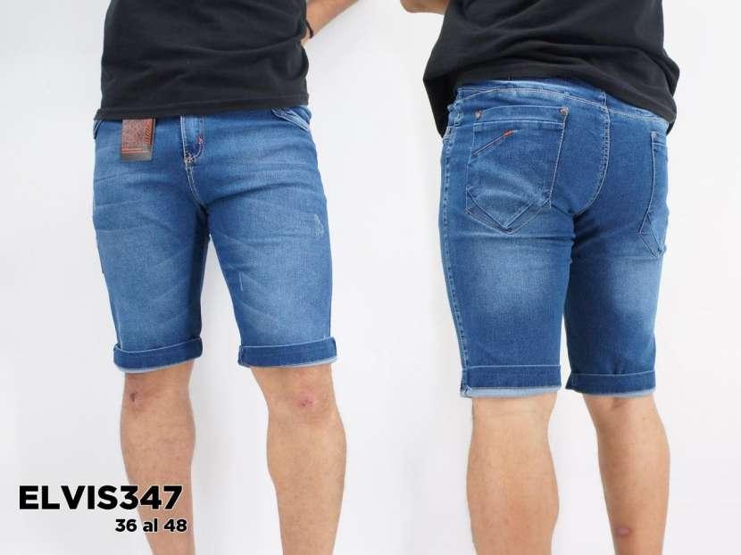 Bermuda de jeans prelavado elastizado para caballero - 0