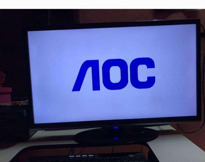 Televisor AOC de 32 pulgadas - 0