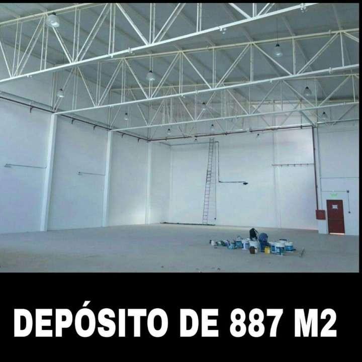 Depósito zona Shopping Multiplaza COD 0196 - 3