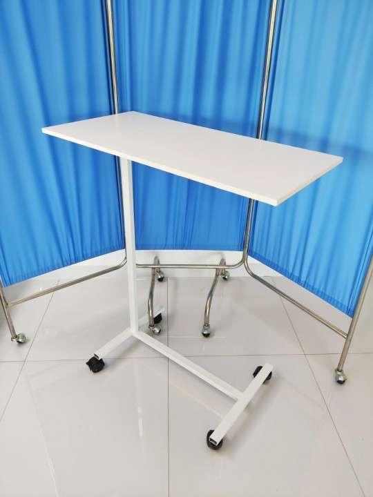 Mesa de alimentación para cama - 1
