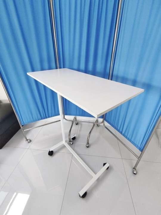 Mesa de alimentación para cama - 2