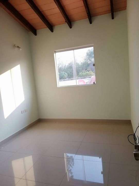 Duplex en Fernando de la Mora zona Norte COD 0189 - 3
