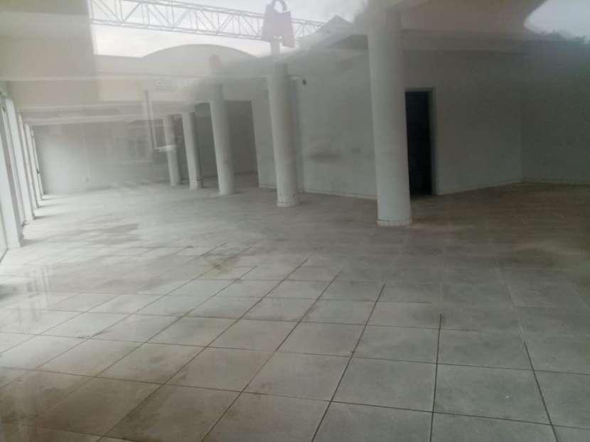 Salón en Mariano Roque Alonso COD 0199 - 1
