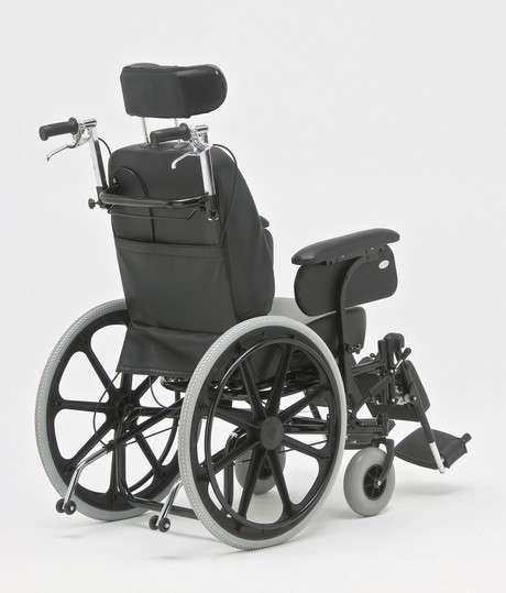 Silla de ruedas con relajación Reca - 1
