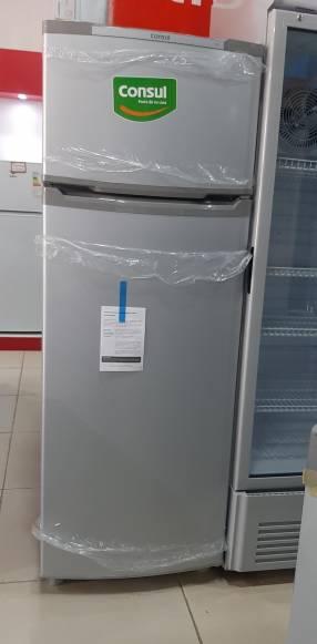 Heladera Consul 370 litros frío húmedo color plateado