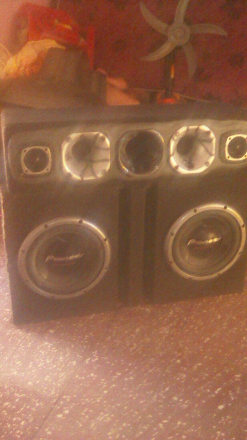 Autoradio Pioneer con amplificador 2100 W