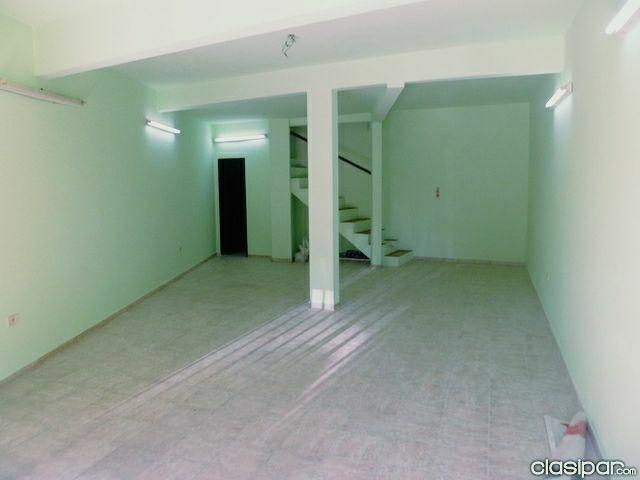 Duplex salón comercial con departamento a pasos del centro de Luque