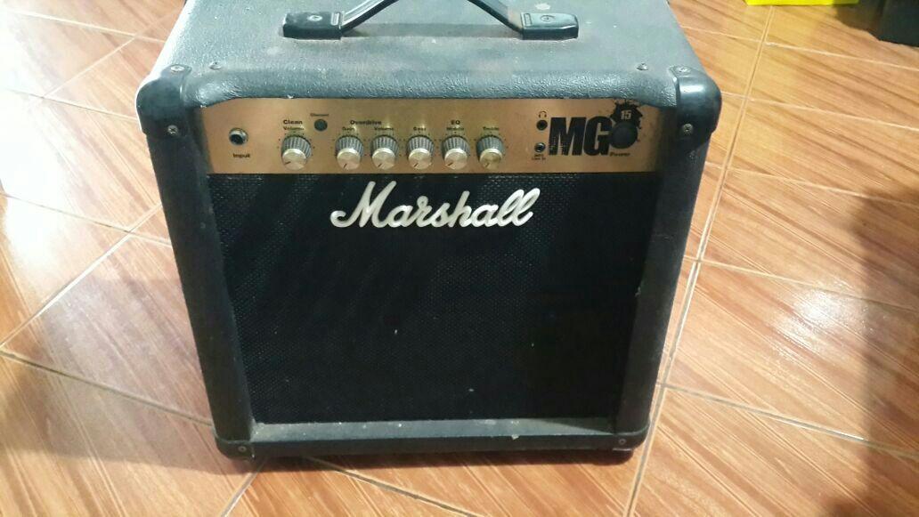 Amplificador Marshall MG 15