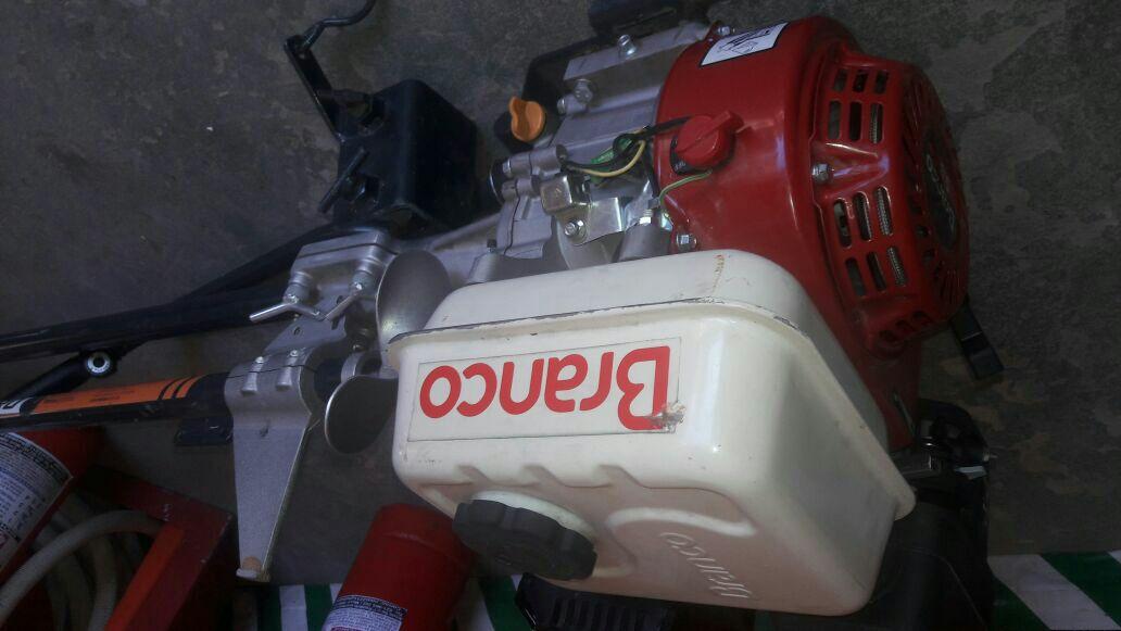 Motor fuera de borda de 5.5 hp BRANCO