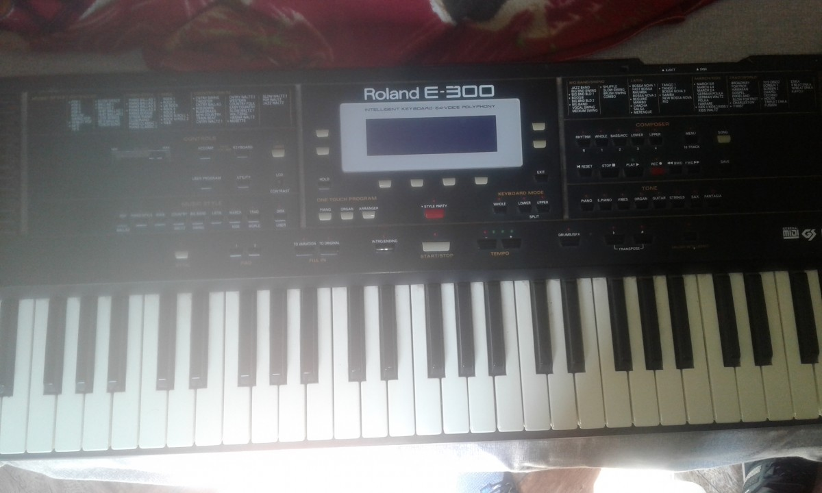 Teclado Yamaha Dsr 1000 y Roland E-300