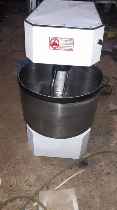 Amasadora espiral doble velocidad para 25kg de harina