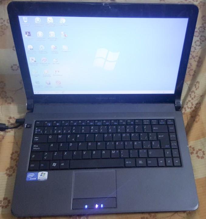 Notebook GBH semi nueva en caja