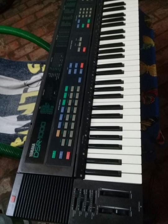 Teclado Yamaha drs1000