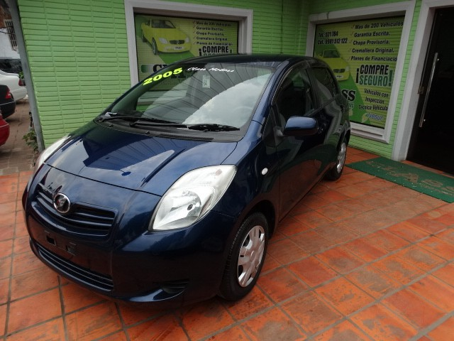 Toyota New Vitz 2005 chapa definitiva en 24 horas