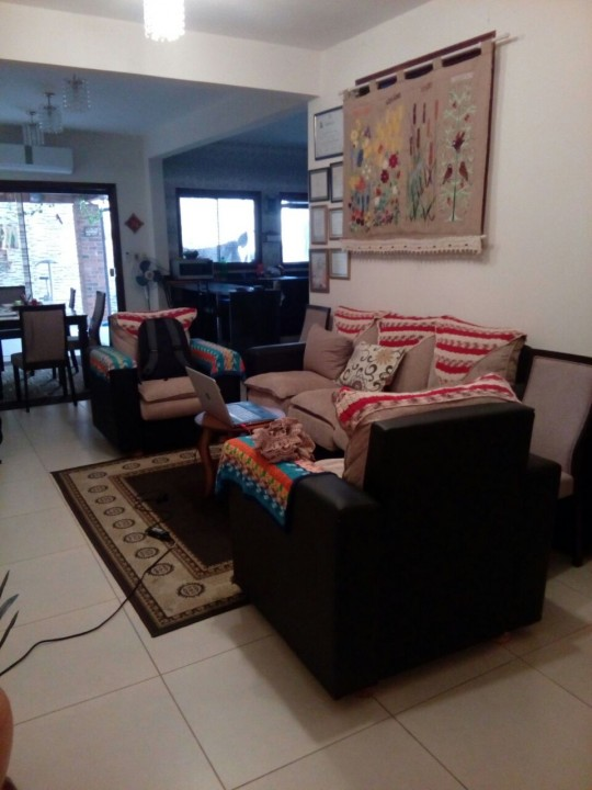 Dúplex en barrio residencial Villa Adela de Luque