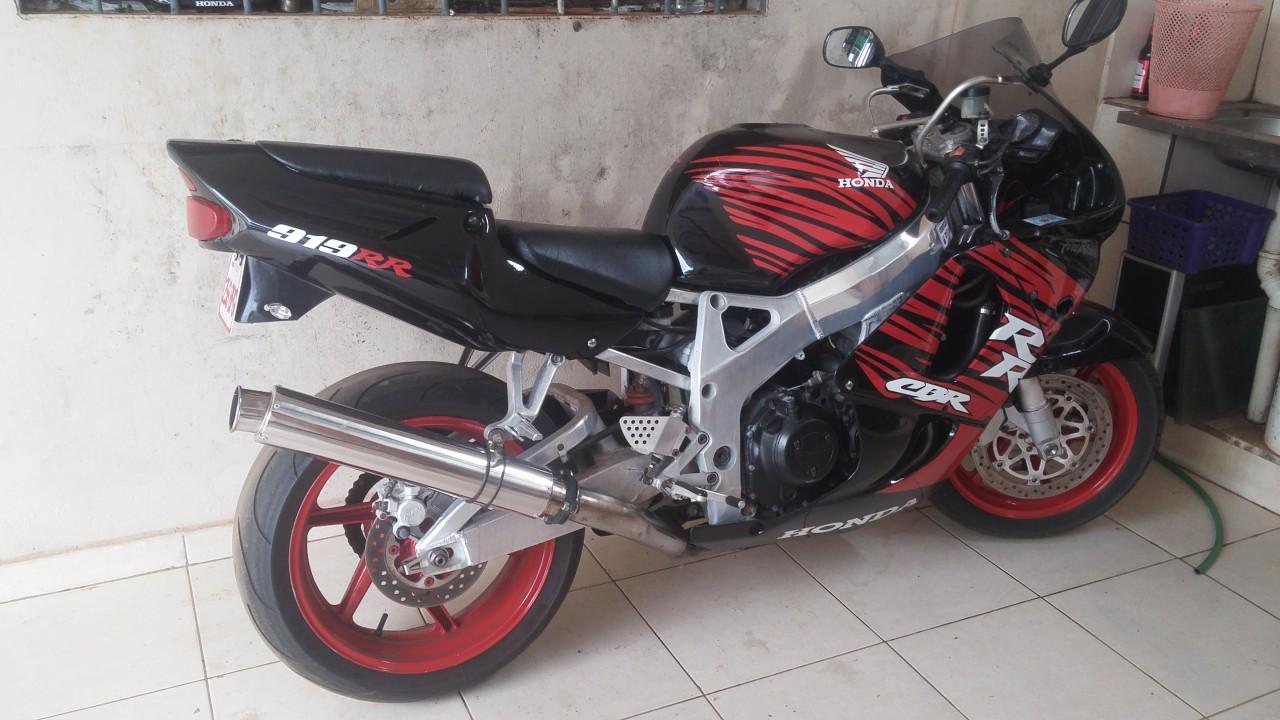 Motoo Honda cbr 900