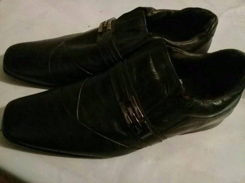 Zapato de cuero brasilero