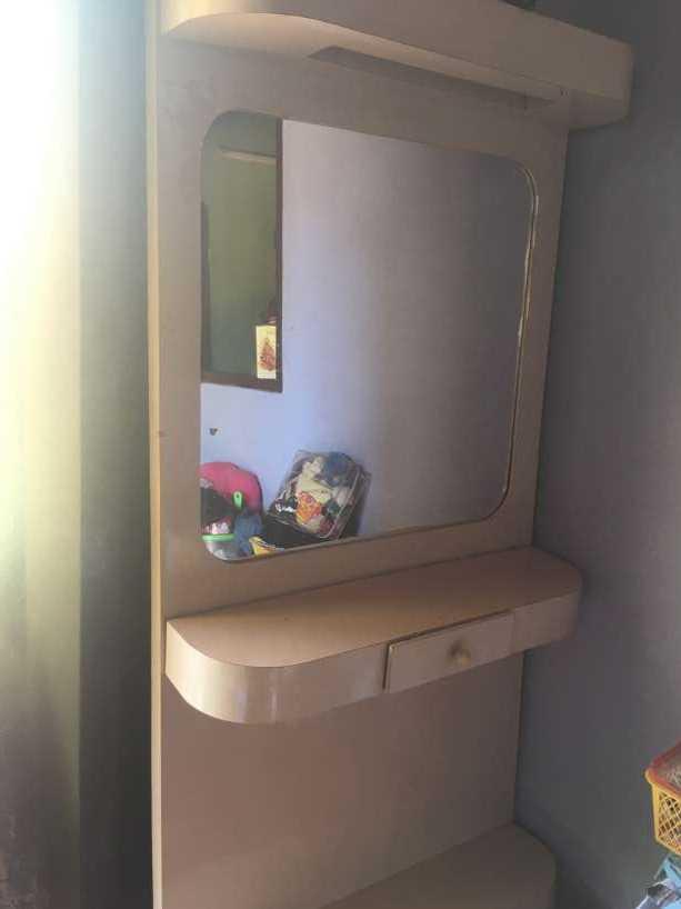 Mueble para peluquería con luces