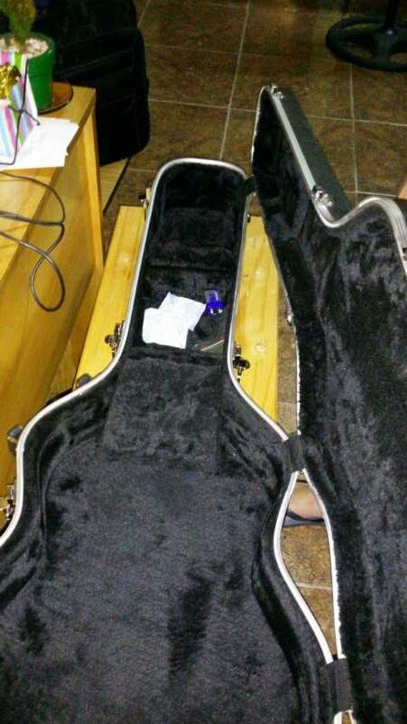 Guitarra con estuche takamine GC5 tapa - 2