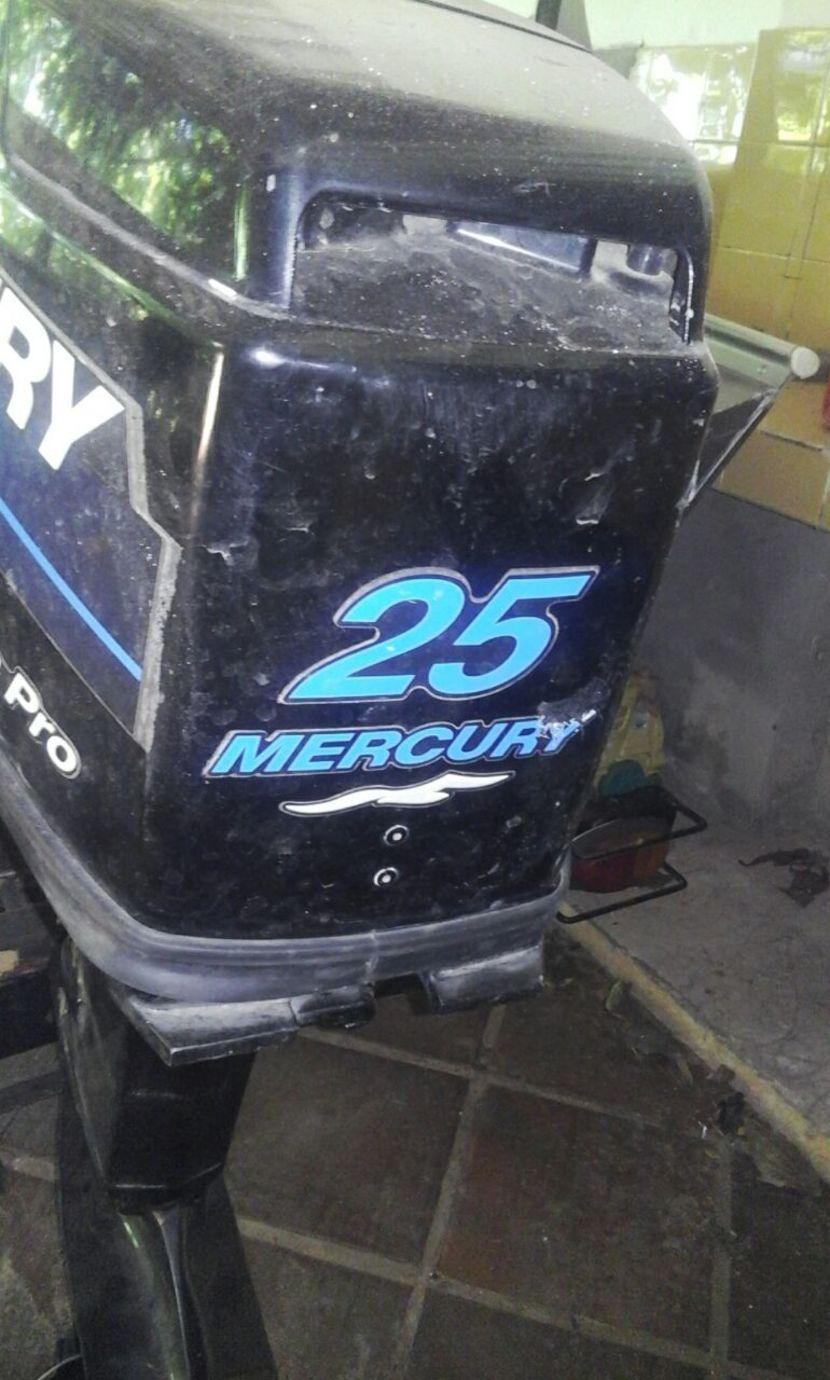 Lancha de aluminio con trailer y Motor Mercury de 25HP