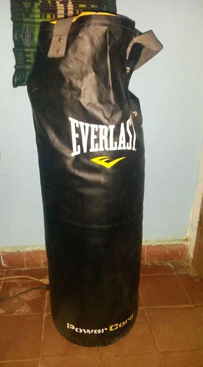 Bolsa de boxeo guante y soporte