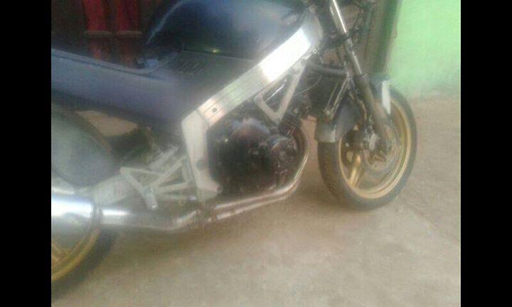 Moto Honda CBR 250 cc 4 cilindros
