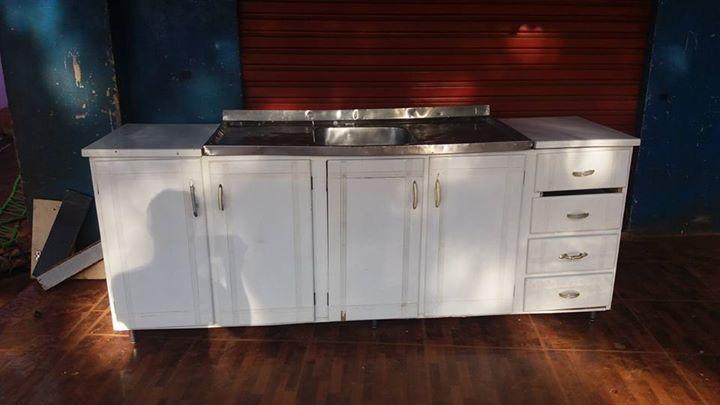 Pileta con mueble cocina de 6 hornallas